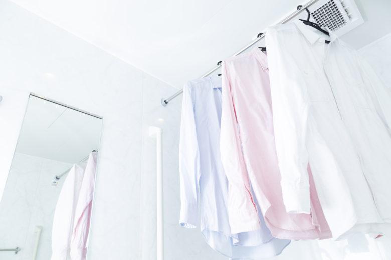 服,シワ,浴室