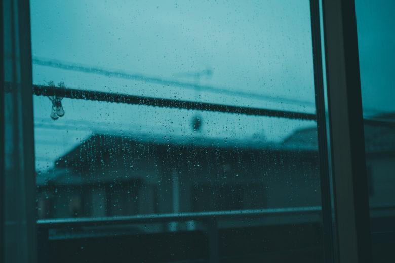 洗濯物,雨,外
